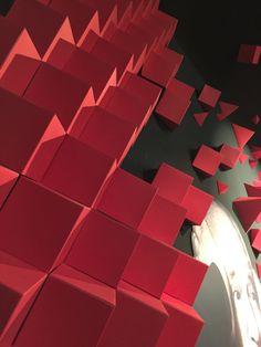Explosión Creativa; Instalación diseñada para Zsona Maco México Arte Contemporáneo 2016. Un reflejo de Tane Joyería y sus colecciones inspiradas en Iris Apfel y Pedro Friedeberg Landsberg. #papaerart #amoATO #creativity #design #designers #art