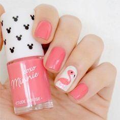 Flamingo Nail Accent Design