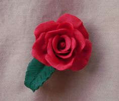 fridge magnet Polymer Clay Art, Clay Projects, Cat, Rose, Flowers, How To Make, Floral, Cat Breeds, Roses