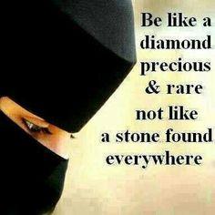 aurat ki nechi nazar he achi lgti is ka he hukum islam me hy Beautiful Islamic Quotes, Islamic Inspirational Quotes, Beautiful Words, Islamic Qoutes, Islamic Teachings, Beautiful Hijab, Hijab Quotes, Muslim Quotes, Modesty Quotes