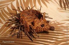 Поделка изделие Плетение Ёж и мышь Бумага газетная Трубочки бумажные фото 1