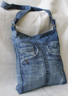 Best 12 Bags & Handbag Trends: # jeans reform # bags # jean # putting – Home Page – Page 628955904188082077 – SkillOfKing. Denim Tote Bags, Denim Purse, Jeans Recycling, Mochila Jeans, Denim Bag Patterns, Blue Jean Purses, Denim Crafts, Old Jeans, Recycled Denim
