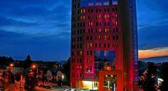 Hotel Golden Tulip Ana Tower Sibiu Sibiu, #Hoteluri #Sibiu. Situat la doar 10 minute de mers cu masina de Aeroportul Sibiu si la 6 minute de gara, Hotelul Golden Tulip Ana Tower Sibiu se afla in centrul orasului, la cativa pasi de orasul vechi. Se ofera Wi-Fi gratuit in toata proprietatea. Golden Tulip Ana Tower are 81 de camere cu dotari ultramoderne, baie spatioasa si fereastra mare. Camerele ofera vedere la munti sau orasul vechi. Salile de conferinte Goga si Cioran au toate dotarile…
