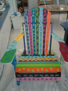 Kindergarten group art project - students could design library furniture from old pieces. Classroom Auction Projects, Art Auction Projects, Class Art Projects, Collaborative Art Projects, Kindergarten Art Projects, Art Classroom, Auction Ideas, Group Projects, Hand Painted Chairs