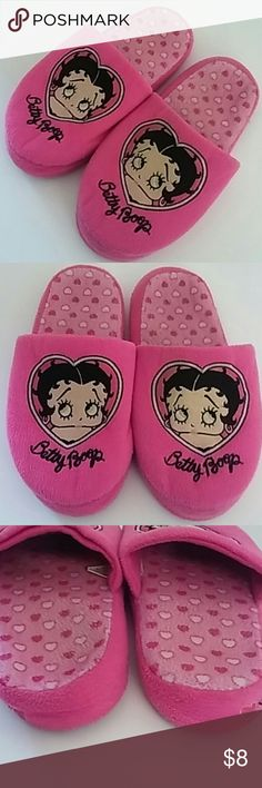 Betty Boop 7-8 Pink Bedroom Slippers Shoes Betty Boop 7-8 Pink Bedroom Slippers Shoes Normal wear. Normal wear on tread. Betty Boop Shoes Slippers