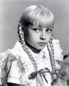 Patty McCormack The Bad Seed - Movie Still Poster - Photography - Nature Elements Of Film, Nature Vs Nurture, Evil Children, Poster Photography, Amazing Photography, Movie Guide, The Bad Seed, Child Actors, Horror Films