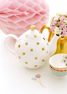 Gold dots teapot*