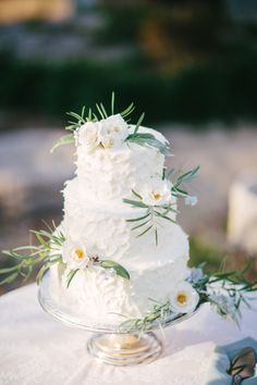 Texted white wedding cake: http://www.stylemepretty.com/little-black-book-blog/2014/10/03/english-garden-wedding-inspiration-shoot/ | Photography: Booth Photographics - http://boothphotographics.com/