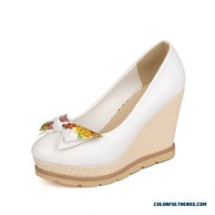 c1e42036f3f7 AmoonyFashion Women s Pull-on High-Heels PU Two-Toned Round Closed Toe Pumps -Shoes