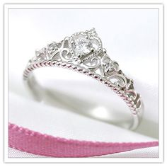 b36ed74f7f8a86 Anelli da principessa · really in love with tiara rings right now:) such a  cute look:P