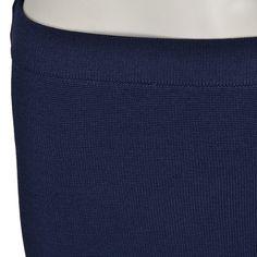 Flot nederdel fra Carin Wester i lækkert stof der falder flot til kroppen.  Lækkert kvalitet der holder sæson efter sæson.    Detaljer    - 75% Rayon, 25% Nylon  - Håndvaskes  - 55 cm i str. S