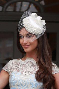 cream pearl veiling vintage fascinator, bridal fascinator, wedding fascinator, cream fascinator, veiling fascinator hat world wide shipping available Cream Fascinator, Bridal Fascinator, Wedding Fascinators, Fascinator Hats, Headpiece, Hat World, Pearl Cream, Veils, Trending Outfits