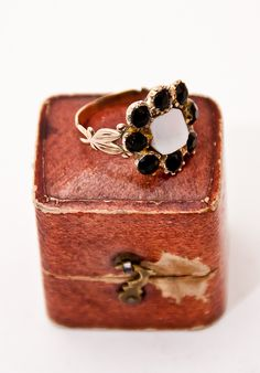 Georgian Gold & Jet Mourning Ring