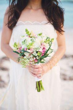 Wedding-accessoire-braut-Hochzeitssträuße-frühling-ideen-Schleierkraut