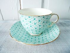 Gorgeous turquoise blue star chintz teacup and saucer by Adderley of England. This cup and saucer is stunning and different. Most chintz is Party Set, Tea Party, Café Chocolate, Teapots And Cups, Teacups, Vintage Cups, Vintage China, China Tea Cups, My Cup Of Tea