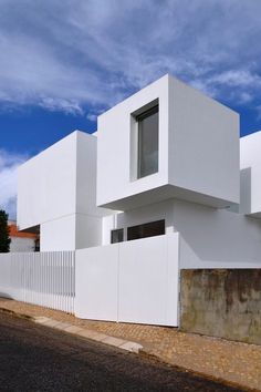© Gabriela Gonçalves + Miguel Malaquias Minimal Architecture, Residential Architecture, Contemporary Architecture, Architecture Details, Amazing Architecture, Architect Design House, House Front Design, Duplex House, Forest House