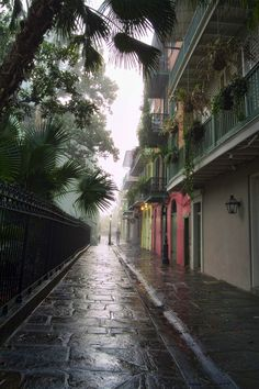 Pirate's Alley, New Orleans.