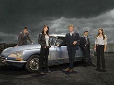 [El Mentalista 5] El episodio piloto tuvo una audiencia de 15,6 millones de espectadores en su primera emisión y 7,8 millones en su retrasmisión tres días después. Debido a los buenos ratings y la popularidad alcanzada por el show, el 15 de octubre CBS terminó ordenando una temporada completa de The Mentalist.