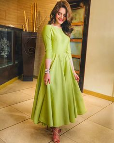 Stylish Women's Cotton Silk Solid Gown only in RS 850 COD ↩️ shipping free F. Designer Party Wear Dresses, Designer Anarkali Dresses, Kurti Designs Party Wear, Indian Designer Outfits, Indian Outfits, Pakistani Dresses Casual, Indian Gowns Dresses, Pakistani Dress Design, Frock Dress