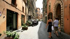 Only have three hours in Rome? Spend that time wandering along the narrow, crooked streets of Rome's most scenic areas: the medieval and Renaissance rioni of Ponte, Parione, and Regola.