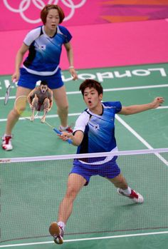 20 photos of olympic badminton players swatting divers like flies - omg i laughed so hard!