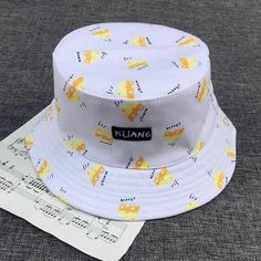 Ideas For Clothes Winter Fashion Hats Funky Hats, Cute Hats, Bob Chapeau, Yoga Zen, Fishing Bucket Hat, Bucket Hat Outfit, Style Floral, Bucket Cap, Outfits With Hats