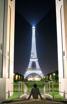 Love Effel, Love Paris