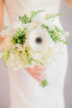 Love this white and green bouquet!
