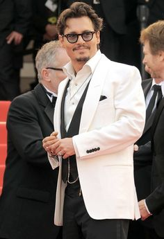 100 sexy celebrity men, featuring David Beckham, Justin Bieber, One Direction's Harry Styles and Prince Harry Young Johnny Depp, Here's Johnny, Johnny Depp Wallpaper, John Depp, Johnny Depp Pictures, Z Cam, John David, Celebrity Dads, David Beckham