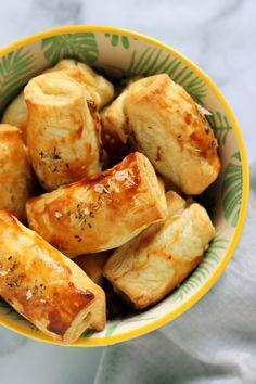 Virslis leveles falat recept Pretzel Bites, Fresh Rolls, Pizza, Sweets, Bread, Cookies, Baking, Ethnic Recipes, Food