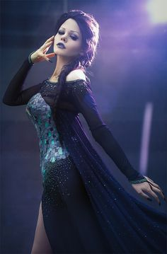 Dark Elsa pinned from http://worldcosplay.net/photo/4025229
