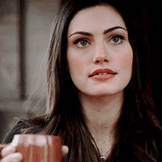Shared by kingslayer ♔. Find images and videos about The Originals, phoebe tonkin and hayley marshall on We Heart It - the app to get lost in what you love. Scott Mccall, Phoebe Tonkin Gif, Phoebe Tonkin The Originals, Gifs, Estilo Megan Fox, Icon Girl, Hayley And Klaus, Winchester, Crystal Reed