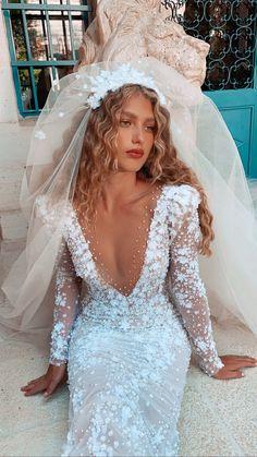 Wedding Goals, Wedding Day, Wedding Beauty, Floral Wedding, Dream Wedding Dresses, Bridal Dresses, Wedding Wishes, Dream Dress, Perfect Wedding