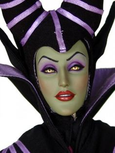 Maleficent - Maleficent from Sleeping Beauty repaint by Laurie Leigh Disney Maleficent, Disney Villains, Disney Pixar, Barbie I, Barbie World, Disney Dolls, Doll Face, Beautiful Dolls, Purple And Black