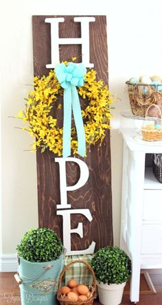 Celebrate Easter & Spring season with an outdoor decor. From Porch decoration to door decoration ot Yard decor, get best DIY Easter Outdoor Decor ideas here Spring Crafts, Holiday Crafts, Diy Christmas, Diy Osterschmuck, Wood Crafts, Diy Crafts, Decor Crafts, Wooden Wreaths, Diy Ostern