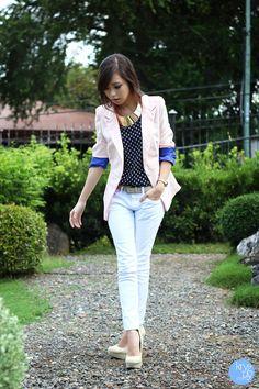White-yesstyle-jeans-light-pink-wagw-blazer-navy-wagw-top_400