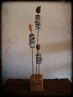 Driftwood base- could use stones shells & glass on wire Driftwood Crafts, Wire Crafts, Metal Crafts, Metal Garden Art, Metal Art, Glass Garden, Sculptures Sur Fil, Wire Art Sculpture, Art Pierre