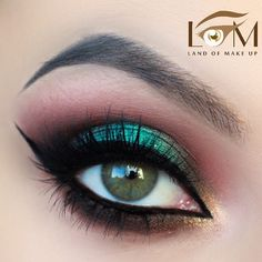 If you are still not sure about your holiday look, this article will help you to find out how you can create a special St Patricks Day makeup. We will show you that green color has never been so beautiful and versatile. Check it out, inspiring makeup ideas are waiting for you!#makeupideas#stpatricksday