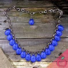 Colar Gotas de Cristal. Dá um efeito poderoso para sua produção. Peça já o seu! #colares #bijouterias #acessoriosfemininos