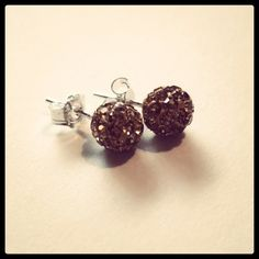 Good as Gold? Or Bronzed & Beautiful? #gold #bronze #earrings #crystal #beads