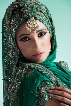 Emerald green bride| Keyword : ethnic tourism in india, cultural tourism in india,religious  tours india,historical tourism in india. I WISH I WAS BORN IN INDIA SOMETIMES, SO I COULD USE THESE BEATIFUL GOWNS!!