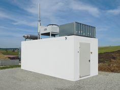 Laumer Energiecontainer . Foto Laumer #technikcontainer #energiecontainer #technikräume #funktionsräume #elektroanlagenschützen #einbruchsicher #technikraum #hoheschalldämmung #planung #statik #eigenesingenieurbüro Container, Prefab Garages, Life