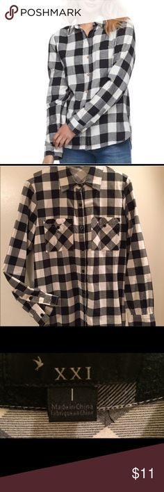 🖤 CHECK FLANNEL SHIRT 🖤 CHECK FLANNEL ULTIMATE ESSENTIAL SHIRT. Adorable, soft, cozy, trendy black and white flannel shirt. Size large. Like new! Forever 21 Tops Button Down Shirts