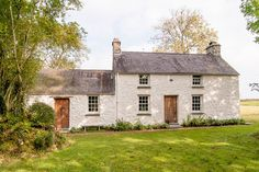 Cottage as seen in World of Interiors - Casas en alquiler en Carmarthen, United Kingdom