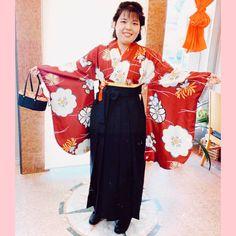ご卒業おめでとうございます。 素敵な袴田姿をお写真撮らせて頂きました✨ Kimono Top, Beauty, Tops, Dresses, Women, Fashion, Vestidos, Moda, Fashion Styles