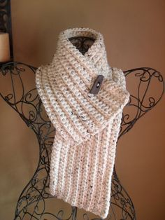 Crocheted Chunky Cowl Scarflette. no pattern here. just like