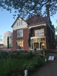 Thuis Aan de Amstel, Amsterdam: Bekijk 33 onpartijdige beoordelingen van Thuis Aan de Amstel, gewaardeerd als 4 van 5 bij TripAdvisor en als nr. 1.170 van 3.335 restaurants in Amsterdam. </cf>