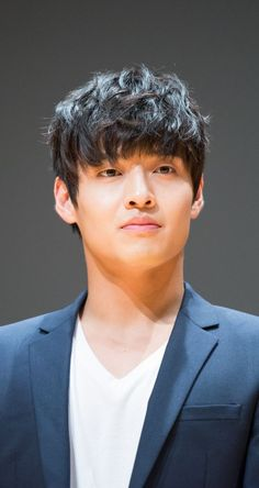 Hairstyles are Kang Ha-neul handsome korean actors strange facets of fashion. Hot Actors, Actors & Actresses, Lee Tae Hwan, Kang Haneul, Korean Haircut, Handsome Korean Actors, Park Seo Joon, Kim So Eun, Best Kpop