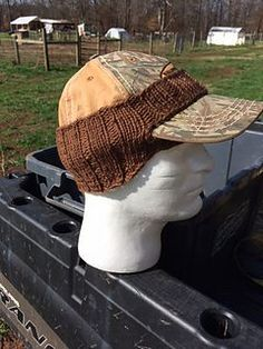 This pattern is easily modifiable to increase or decrease circumference, though it is recommended that the size of the opening for the hat brim not be altered.