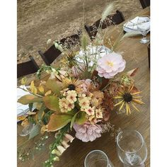 Still holding out hope for that bride who loves orange. Wedding Table Centerpieces, Floral Centerpieces, Ikebana Arrangements, Floral Arrangements, Floral Wedding, Wedding Flowers, Mediterranean Wedding, Table Flowers, Spring Flowers